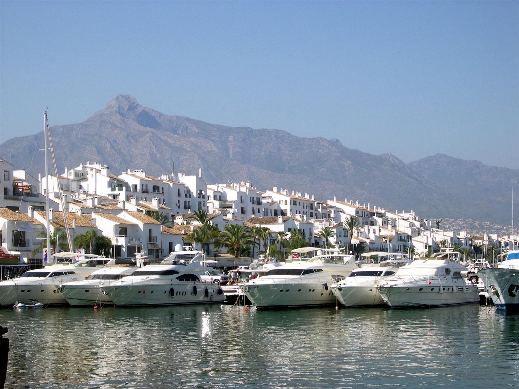 Yachts Puerto Banus Marbella